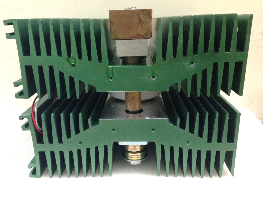 Радиатор охлаждения с тиристором