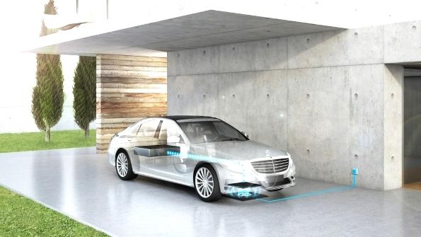 texnologiya-besprovodnoj-zaryadki-gibridnyx-avtomobilej-ot-mercedes-benz