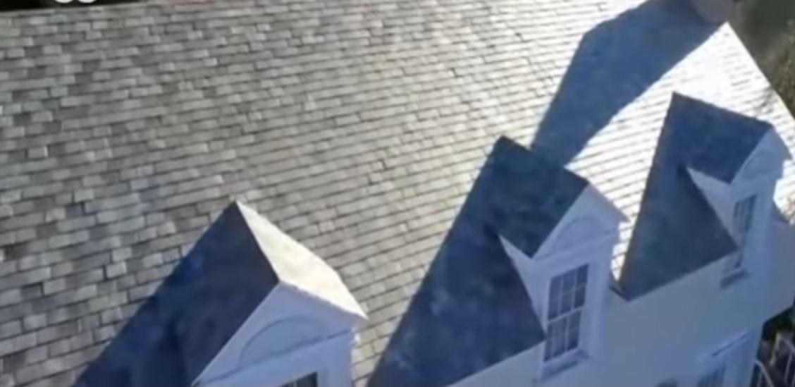Солнечная черепица на крыше домов