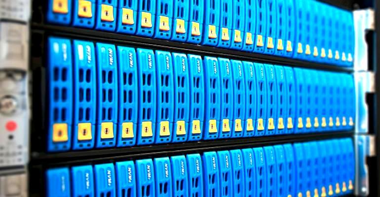 Новые форм-факторы и машинное обучение флеш памяти
