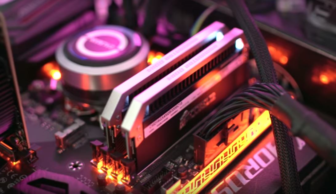 Intel выпускает микросхемы на основе машинного обучения для работы в конечных узлах