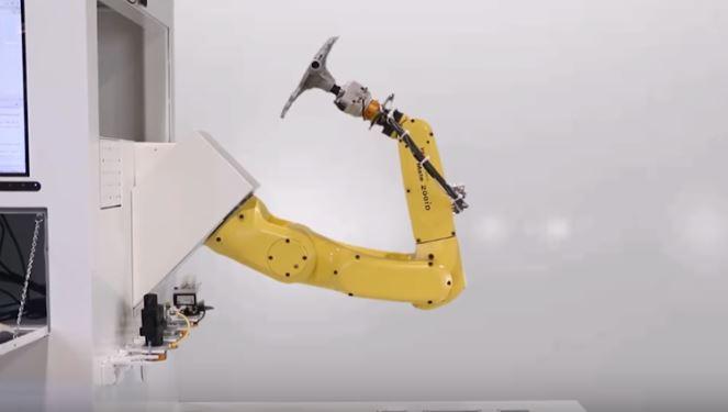 Контроль качества изготовляемой продукции с помощью роботов