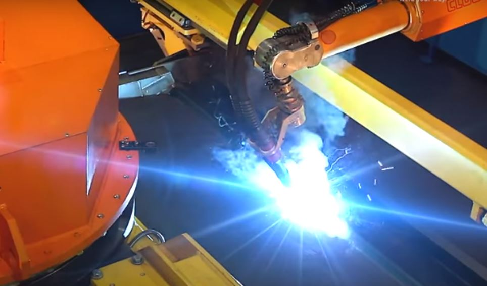 Специальные сварочные роботы повышают точность работ