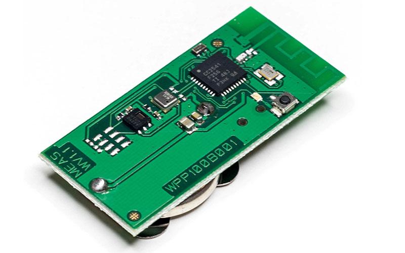 MS8607, HTU21D и MS5637 сообщают о влажности, температуре и барометрическом давлении через стандартный протокол беспроводной связи с малой мощностью 2,4 ГГц.