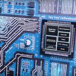 QCS400 микросхемы для работы с аудио от Qualcomm позволяют распознавать звук даже в очень шумном помещении