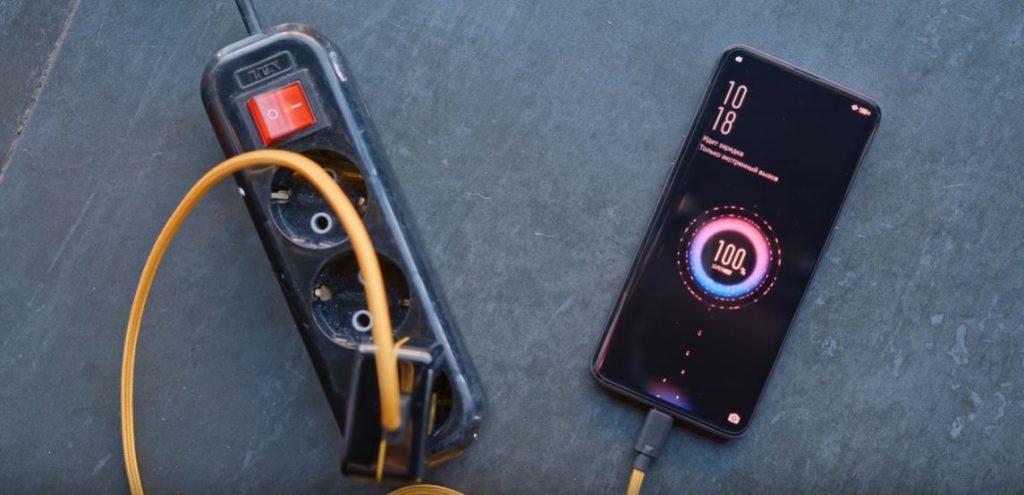 С помощью стандарта USB Type C стала возможна быстрая зарядка смартфонов и планшетов