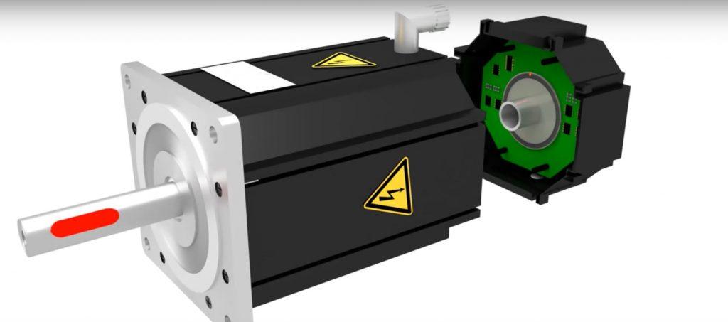 Серводвигатель включает в себя энкодер для определения положения вала двигателя