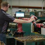 Дополненная реальность и коллаборативные роботы (коботы) способны кардинально изменить подход к современному производству