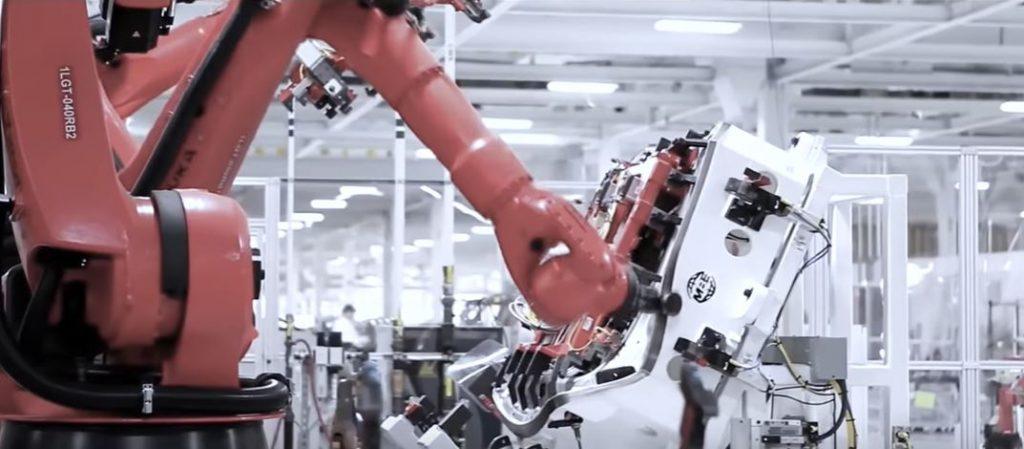Малый и средний бизнес боится инвестировать в робототехнику полагая, что это игрушки больших предприятий, но это мнение ошибочно