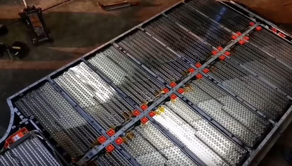 Направленное освещение сокращает время перезарядки литий-ионной батареи