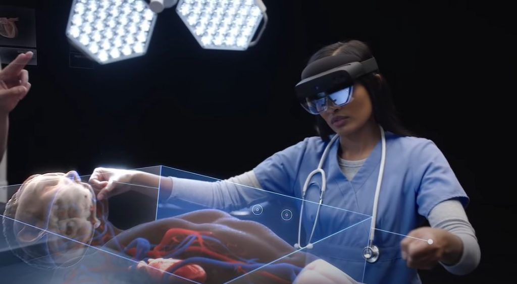 Использование дополненной реальности в медицине значительно упрощает работу врача