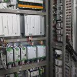 Реле присутствуют практически в любом шкафу управления КИПиА. А как на счет контакторов?